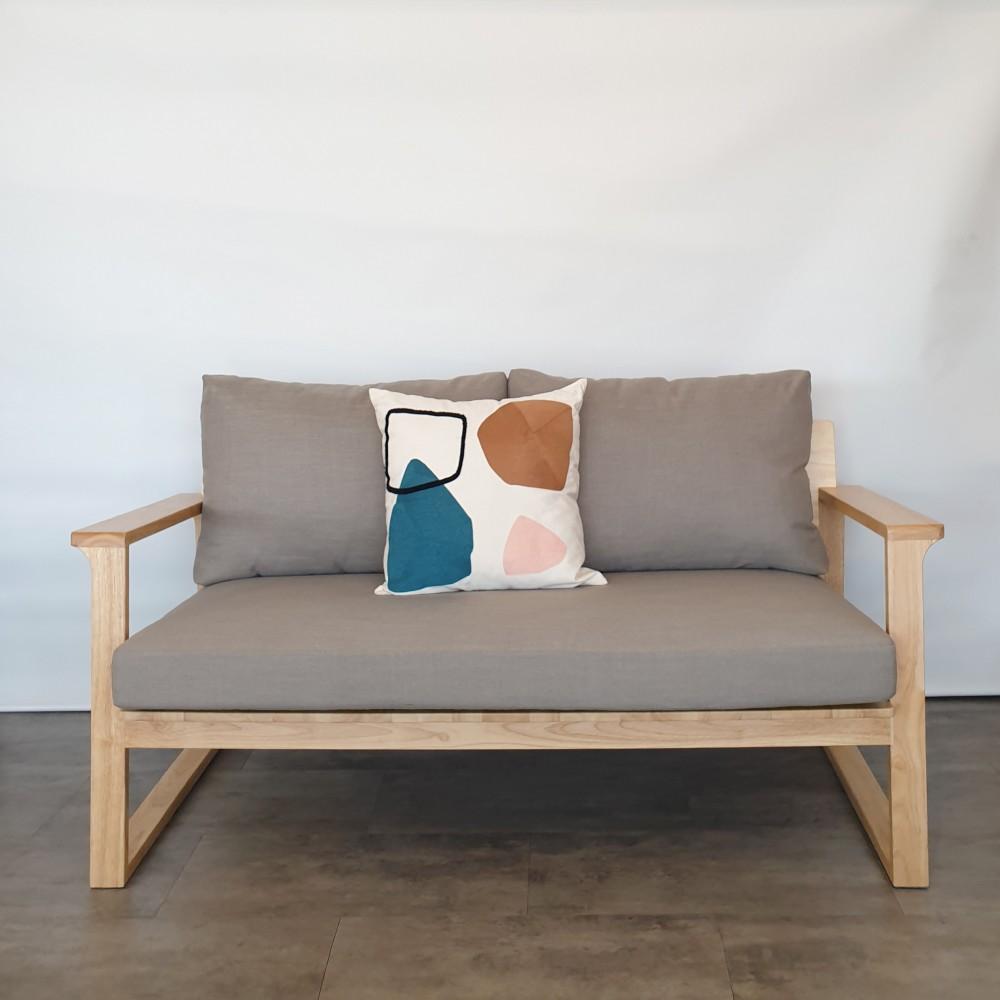 Gus sofa 01