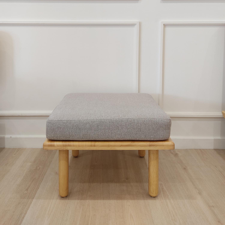 Kin stool 8